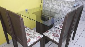 Sala de jantar 4 cadeiras