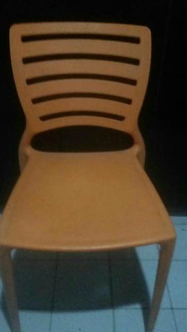 Vendo urgente !!! 4 cadeiras Tramontina semi novas!!!