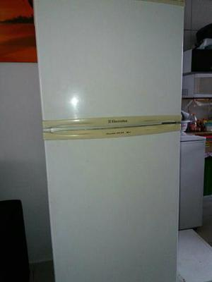 Geladeira Electrolux Double DC 33