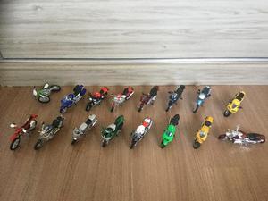 Coleção 16 Motos em Miniaturas 1:18