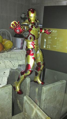 Iron Man Mark 42 Hot Toys