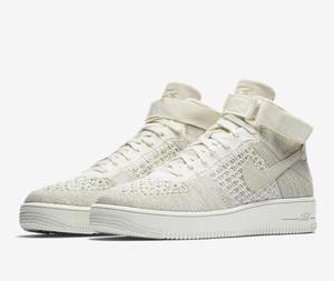 Tênis Nike - Air Force Flyknit