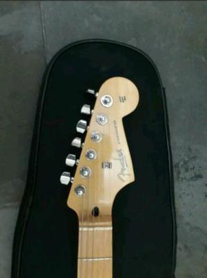 Guitarra Stratocaster Fender (Leia o anúncio)