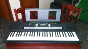 Teclado Yamaha PSR-E243 em PERFEITO ESTADO com acessórios