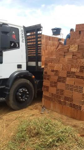 Tijolos R369 carga fechada com 10 mil unidades
