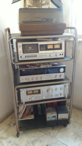 Amplificador, Aparelho de som antigo, com caixas