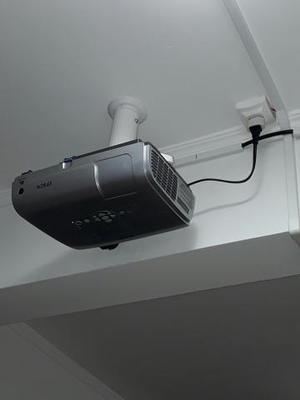 Suporte de projetor para teto, com cabo VGA de 10 metros
