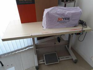 Máquina de Costura Industrial Joyee 3 meses de Uso