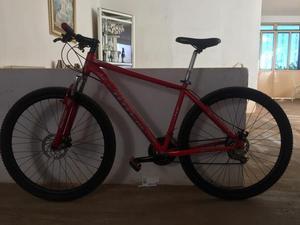 Bike totem aro 29 freios a disco pra vender logo $600