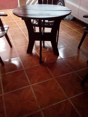 Mesa 100% madeira com 4 cadeiras redonda