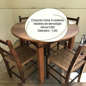 Mesa com 4 Cadeiras em Madeira de Demolição Maciça