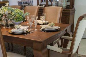 Sala de Jantar em Madeira Maciça, 8 lugares, Alto Padrão e