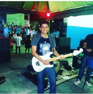 Aulas de violão e guitarra a domicílio