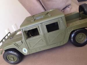 Vendo miniatura HUMVEE MotorMax