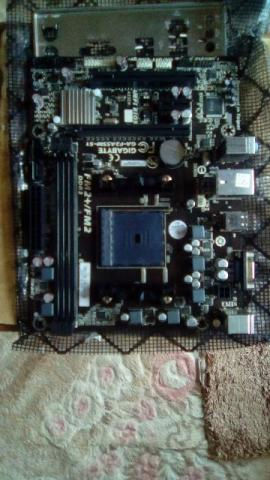Placa mae Gigabyte - Modelo: GA-F2A55M-S1