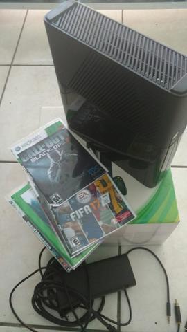 Xbox 360 Super Slim 1 Controle e 5 jogos