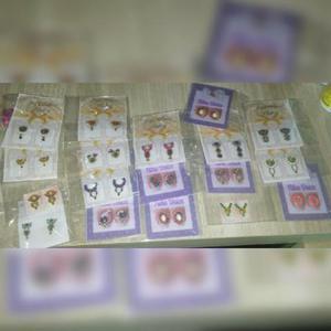 Adesivos e jóias para unhas
