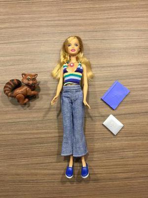 Barbie com bichinho e acessórios