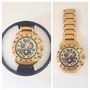 Relógio Bvlgari Esqueleto - Dourado com Preto