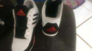 Tenis Adidas adiprene + tipo basketeira
