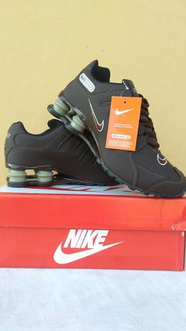 Tênis Nike Shox NZ. É Original. Tamanhos: 40 e 43. É Novo