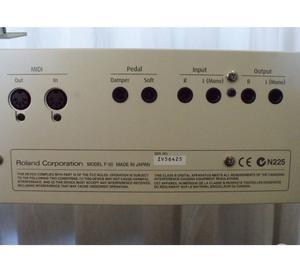 Piano Digital Roland F-50
