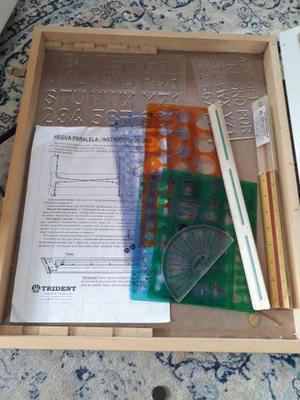 Prancheta para desenho técnico com régua paralela e maleta