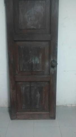 Portas de madeira maciça de 80 cm