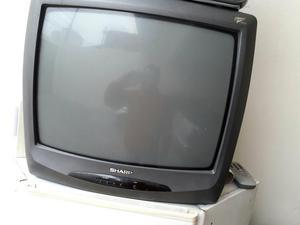 Duas TVs mais suporte de parede