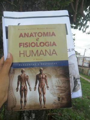 Livro anatomia e fisiologia com pôster