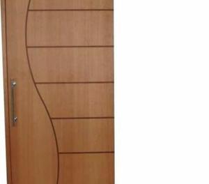 Porta de Madeira Frizada  x 2.10