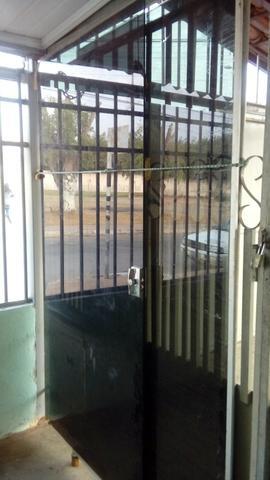 Porta de vidro blindex, de correr