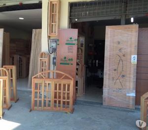 Porta de Madeira Maciça com Resina 80x2.10