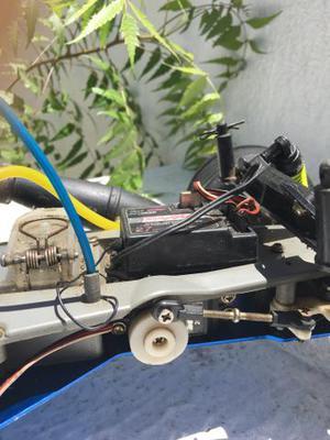 Carro de controle remoto a combustão