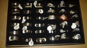 Bijuterias anéis e alianças