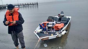 Barco Lancha equipado p/ pesca, aceito carro até o valor