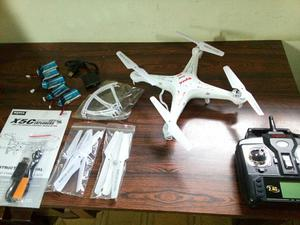 Drone Syma X5C-1 com câmera HD + 5baterias e carregador
