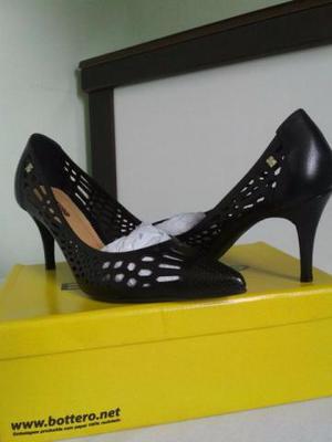 c41885d8cd Sapato bottero social preto. usado só uma noite