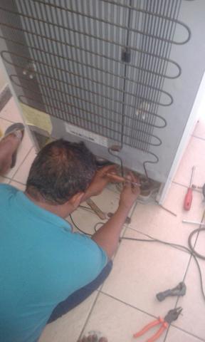 Conserto de geladeira, frezeer e outros..