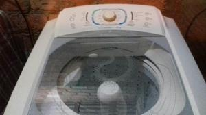 Vende se uma máquina de lavar roupas Electrolux de 12kl
