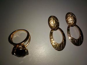 Vendo um anel Rommanel e um par de brincos.
