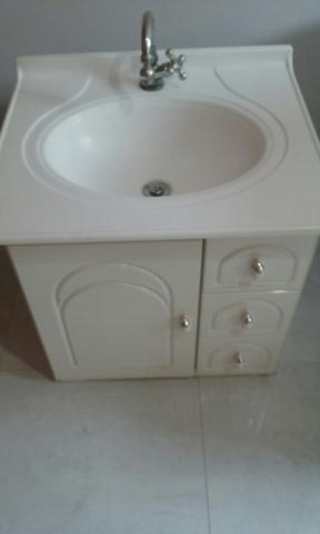 Armário de banheiro com Espelheira