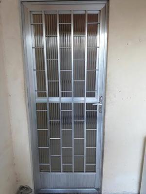 Porta de alumínio + Janela + Basculante + 3 vitrores de