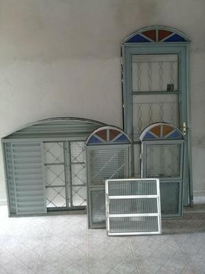 Porta janela basculante veneziana vidros