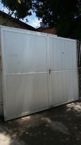 Portão de garagem, pedestre e Box para balcão.