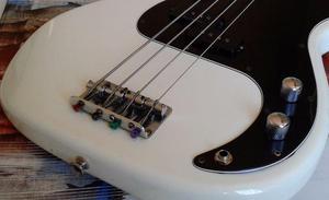 Baixo Fender Squier Vintage Modified Precision Bass 70