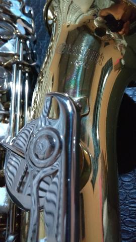 Sax alto Yamaha em estado de novo