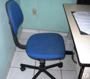 Cadeira e mesa para escritório