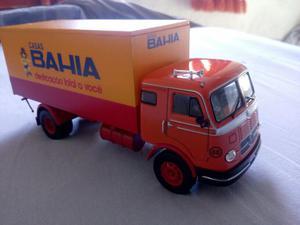 Miniatura caminhão Mercedes