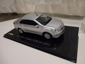 Miniatura Chevrolet Cobalt 1:43 Chevrolet Collection -
